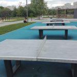 Уличный стол для пинг-понга в парке Братеевская пойма.
